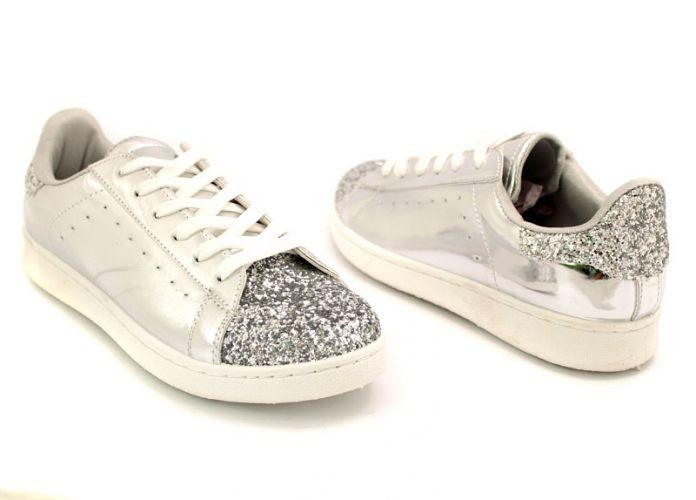 Дамски спортни обувки в сребристо AD-621 SR