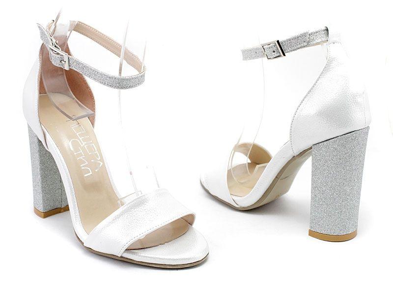 d8f8091849e Дамски елегантни сандали със каишка около глезена в сребристо 70 B