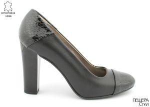 Дамски обувки на висок ток от естествена кожа, черни.