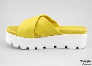 Дамски чехли в жълто 551 JT