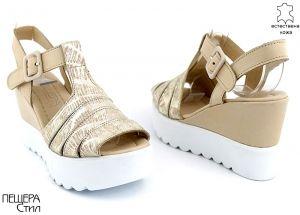 Дамски сандали в бежово и златисто M-425 BJ