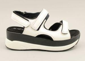 Дамски сандали на спортна платформа в бяло 3601 B
