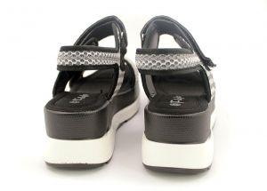 Дамски сандали на спортна платформа в черно 3605 CH