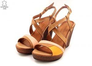 Дамски сандали на кафява платформа B 7805 K