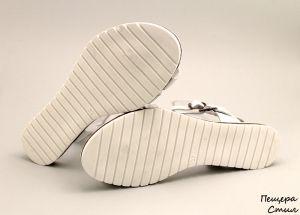 Дамски сандали от естествена кожа в бяло D-756 B