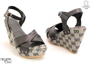 Дамски кожени сандали в черно D-748 CH