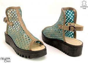 Дамски сандали от перфорирана кожа в синьо ME 153 SN