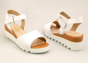 Дамски сандали в бяло M-443 Bv