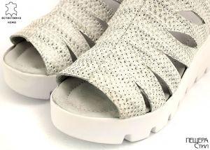 Дамски сандали от естествена кожа в сиво-сребристо ME 152 SV