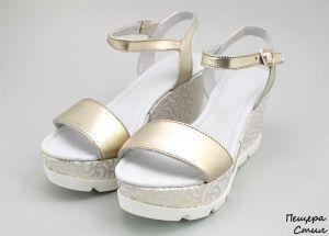 Дамски сандали от естествена кожа в златисто D-118 ZL