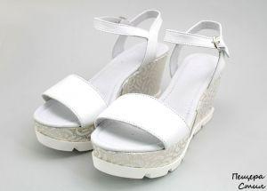 Дамски сандали от естествена кожа в бяло D-118 B