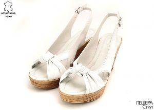 Дамски сандали на платформа в бяло MЕ-96 B