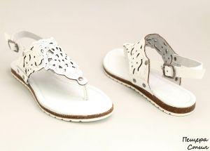 Дамски изрязани сандали в бяло D-120 B