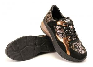 Women's sneakers made of soft leather with golden flowers. The lining and the insole are made of genuine leather. Model TITA